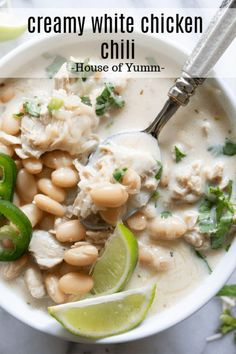 Easy chicken chili recipe that is loaded up with juicy, tender bites of chicken, white beans, green chiles and jalapeno. All in a flavorful, creamy broth. Best Soup Recipes, Healthy Soup Recipes, Chili Recipes, Easy Dinner Recipes, Chicken Recipes, Cooking Recipes, Cooking Chili, Dinner Ideas, Chili Food