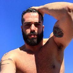 Beardburnme • Marianomarangi instagram