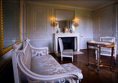 Petit Trianon, cabinet des glaces mouvantes , France