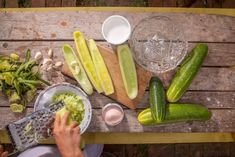 Tzatziki klasicky – Tchibo Tzatziki, Pickles, Cucumber, Zucchini, Vegetables, Food, Veggies, Vegetable Recipes, Meals