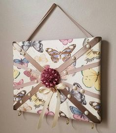 #handmade #memoboard #fabricmemoboard #craft #etsy #visionboard #memoryboard #photoboard #keyholder #bowholder #paris #giftidea #wholesale #wholesalewelcome #customorder #homedecor #butterflies