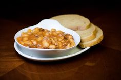 Polish food and recipes: Fasolka po bretońsku recipe - baked bean and meat stew (Breton Beans)