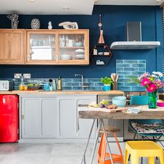 Kitchen trends 2019 – stunning and surprising kitchen design trends and ideas for the new year Open Plan Kitchen, New Kitchen, Kitchen Linens, Kitchen Decor, Kitchen Hacks, Kitchen Interior, Black Kitchens, Cool Kitchens, Kitchen Trends 2018