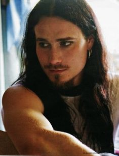 What is it about Finnish men that I find irresistible? This is Mr. Tuomas Holopainen of the Band Nightwish. ( SOOO GORGEOUS!!!!)