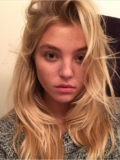 """{Rachel Hilbert is Sunny's 2nd FC} """"I have an urge to buy a whole lot of things I don't need. Who wants to join?"""""""