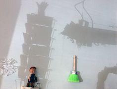 Licht- und Schattenspiele an der Wand unserer Werkstatt