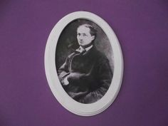 Moldura Oval - Charles Baudelaire - Paper St.