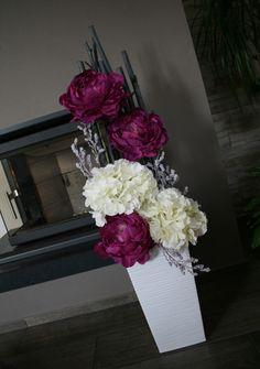 House Plants Decor, Plant Decor, Floral Arrangements, Floral Wreath, Wreaths, Flowers, Christmas, Handmade, Crafts