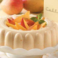 Mango Delight Gelatin Mold Recipe -My son and I found this South American recipe while doing some research for a school project about Colombia. We made the dish as a visual aid for his project, and it was a hit! Jello Deserts, Jello Dessert Recipes, Gelatin Recipes, Dessert Salads, Jello Salads, Fruit Salads, Just Desserts, Delicious Desserts, Yummy Food