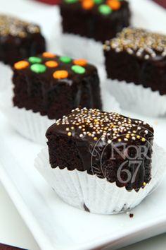 Secubit Garam: Moist Orange Mocha Brownies Hot Chocolate Recipes, Chocolate Cupcakes, Resep Cake, Brownie Bar, Mocha, A Food, Brownies, Cupcake Cakes, Cake Recipes