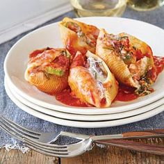 What an American classic! Stuffed shells are a bit more involved than a simple pasta dish, but at the same time, a lot less fussy than homemade lasagna. This vegetarian version is packed with flavorful vegetables like zucchini, mushrooms, and spinach. Even though they're lighter, these shells will fill you up.