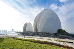 Image 1 of 12 from gallery of Zhuhai Opera House / China Reconstruct. Courtesy of China Reconstruct