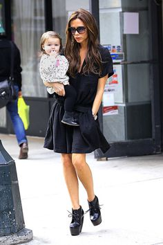 Chic New Moms: Notes on Style for the Duchess - Victoria Beckham