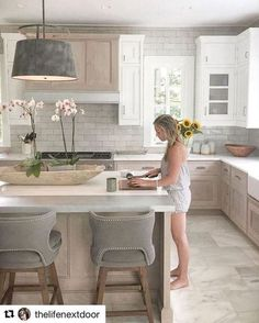 Cool 40 Popular Modern Farmhouse Kitchen Backsplash Ideas- minus the white cabinets this is my dream kitchen! Modern Farmhouse Kitchens, Home Kitchens, Light Wood Kitchens, Farmhouse Style, Farmhouse Ideas, White Kitchens Ideas, Modern White Kitchens, Colorful Kitchens, European Kitchens