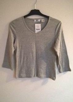 Kup mój przedmiot na #vintedpl http://www.vinted.pl/damska-odziez/bluzki-z-3-slash-4-rekawami/15478325-szara-bluzka-z-rekawem-r-3638