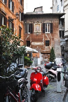 MyVita   Vespa. The best way to go around in Rome. www.myvita.it