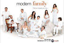 Modern Family is easily my favorite sitcom these days. The well written laugh packed episodes only get better with repeat views. I would recommend this show to pretty much anyone. Modern Family Season 2, Serie Modern Family, Family Tv, Family Logo, New Movies, Good Movies, Movies And Tv Shows, Tv Show Logos, Great Tv Shows