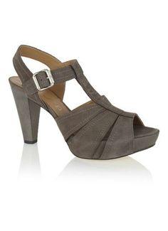 Suède schoenen mooi maken | Tip om vaal geworden suède weer mooi te maken.