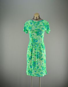 Adorable 1960s vintage sheath dress size small by melsvanity, $38.00