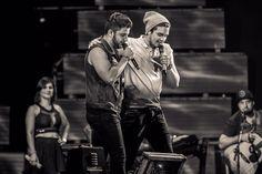 Bom demais esses dois juntos Luan Santana e Cristiano Araújo em Juiz de Fora festival sertanejo elétrico