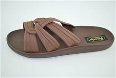 Grandco Twist Slide Sandals #hiddentreasuresdecorandmore #grandco #sandals #footwear