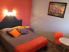 """chambre """"Pep's"""" HOTEL LX, Tout-y-faut, 17330 Vergné"""