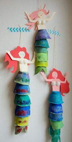 Handicrafts with children Mermaid decoration made of egg carton ›the little messenger - Kinder basteln - Kids Crafts, Summer Crafts, Toddler Crafts, Preschool Crafts, Projects For Kids, Diy For Kids, Diy And Crafts, Diy Projects, Cardboard Crafts Kids