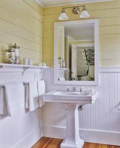 Beadboard Bathroom Wainscoting