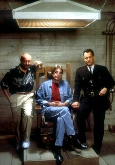 Director Frank Darabont, writer Stephen King and actor Tom Hanks pose with Old Sparky on the set of The Green Mile. Stephen King It, King Tom, Stephen King Movies, Steven King, Tom Hanks, Scene Image, Scene Photo, Gilmore Girls, Carrie