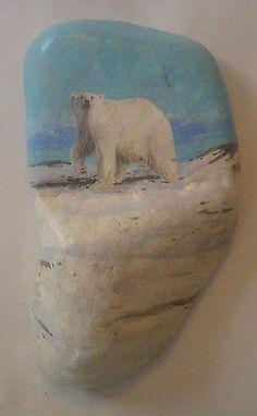 Handpainted-POLAR-BEAR-Small-Rock-by-Nature-Artist-Robert-Halstead