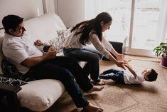 """Virginia Ferrara compartió una publicación en Instagram: """"Documentar los primeros días del bebé en la familia es una de las cosas que más amo de este oficio.…"""" • Sigue su cuenta para ver 576 publicaciones. Virginia, Couple Photos, Couples, Instagram, Photo Reference, First Day, Newborns, Short Stories, I Love"""