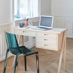 Hübsch Interior Stuhl skandinavisches Design erhältlich im Webshop: derkariertehund.de #skandinavischwohnen #scandinaviandesign #scandinavianinterior #skandinavischesdesign #hygge #hyggelig #skandi #scandi #hubschinterior