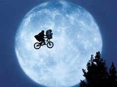 E.T.(1982)USA__My Rating:6.2/10__Director:Steven Spielberg__Stars:Dee Wallace、Henry Thomas、Drew Barrymore