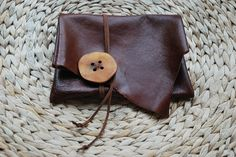 LITTLE TREASURE leather pouch