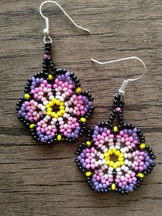 Image gallery – Page 451415562647594780 – Artofit Beaded Earrings Patterns, Seed Bead Earrings, Beading Patterns, Hoop Earrings, Earring Tutorial, Bead Jewellery, Beading Tutorials, Beaded Flowers, Bead Art