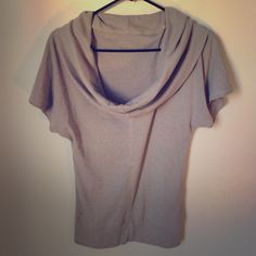 Converse Slouched Top Perfect for the upcoming Spring! Would go great over any tank, stretchy and neutral colored. Great condition! Converse Tops