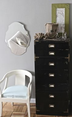 Great ideas for decorating small spaces. Thrifting and refinishing furniture included
