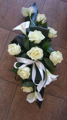 Dekoracja trumny - #dekoracja #trumny Arrangements Funéraires, Funeral Floral Arrangements, Church Flower Arrangements, Grave Flowers, Cemetery Flowers, Church Flowers, Funeral Bouquet, Funeral Flowers, Deco Floral