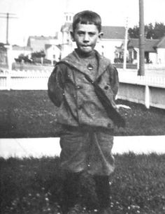 John Steinbeck was born on February 1902 in Salinas, California Imaginative Writing, Salinas California, Sinclair Lewis, Prix Nobel, Margaret Mitchell, Nobel Prize In Literature, Thomas Paine, Henry Miller, Short Essay