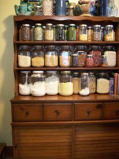 Tastefully storing dried bulk food in jars.