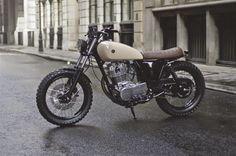 "Yamaha SR 400 Street Tracker ""Type 7"" by Auto Fabrica #motorcycles #streettracker #motos | caferacerpasion.com"