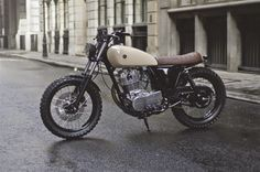 "Yamaha SR 400 Street Tracker ""Type 7"" by Auto Fabrica #motorcycles #streettracker #motos 