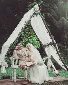 Masih ngga nyangka akhirnya dinikahin sama anak ini... Alhamdulillah & Bismillahirrahmanirrahim  by putrinesaha