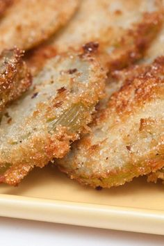Have you ever wondered what Fried Green Tomatoes taste like? I've got to try these things. Pinner notes these are the BEST Fried Green tomatoes. Side Recipes, Vegetable Recipes, Green Tomato Recipes, Tapas, Slow Cooker, Crockpot, Green Tomatoes, Growing Tomatoes, Food Dishes