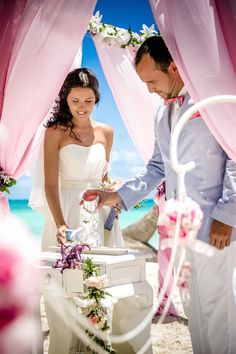 #vintage_wedding_arch_decor Photo by Nik Vacuum. Organization by http://www.wedding-caribbean.com