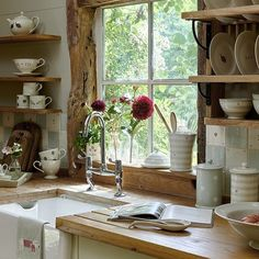 How to furnish the kitchen in vintage style Shabby Chic Mania by Grazia Maiolino – Calculating Infinity Shabby Chic Kitchen Decor, Shabby Chic Living Room, Shabby Chic Homes, Living Room Decor, Rustic Wood Furniture, Shabby Chic Furniture, Shabby Chic Zimmer, Shabby Vintage, Vintage Style