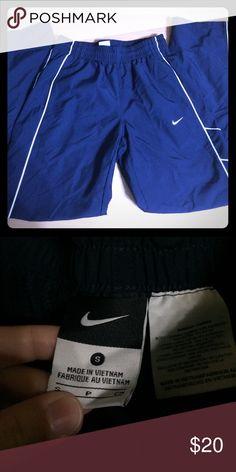 Men's Nike Wind Suit Pants. Navy wind suit pants. Nike Pants
