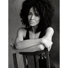 portrait photography, bw, sensual, black and white, ebony, cool,edgy posing, posing, kinky curls photographer: hans- jürgen oertelt