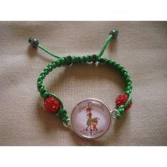 Bracelet personnalisé, fil vert perles rouges