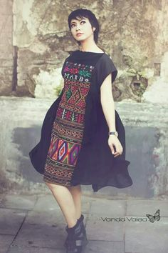 D i y long dress cantik - Fashion dresses news Batik Fashion, Ethnic Fashion, Modern Fashion, Womens Fashion, Blouse Batik, Batik Dress, Traditional Fashion, Traditional Outfits, Nigerian Outfits
